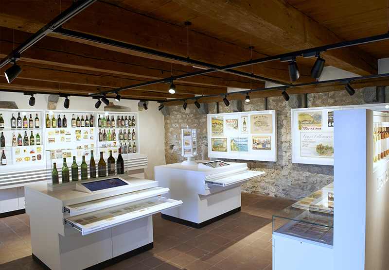 Exposition d'étiquettes - Musée de la vigne